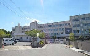 仏生山小学校